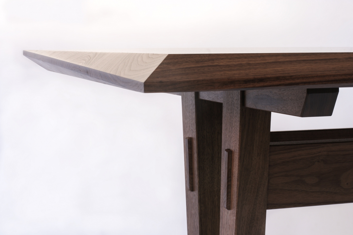 InVerse Table details